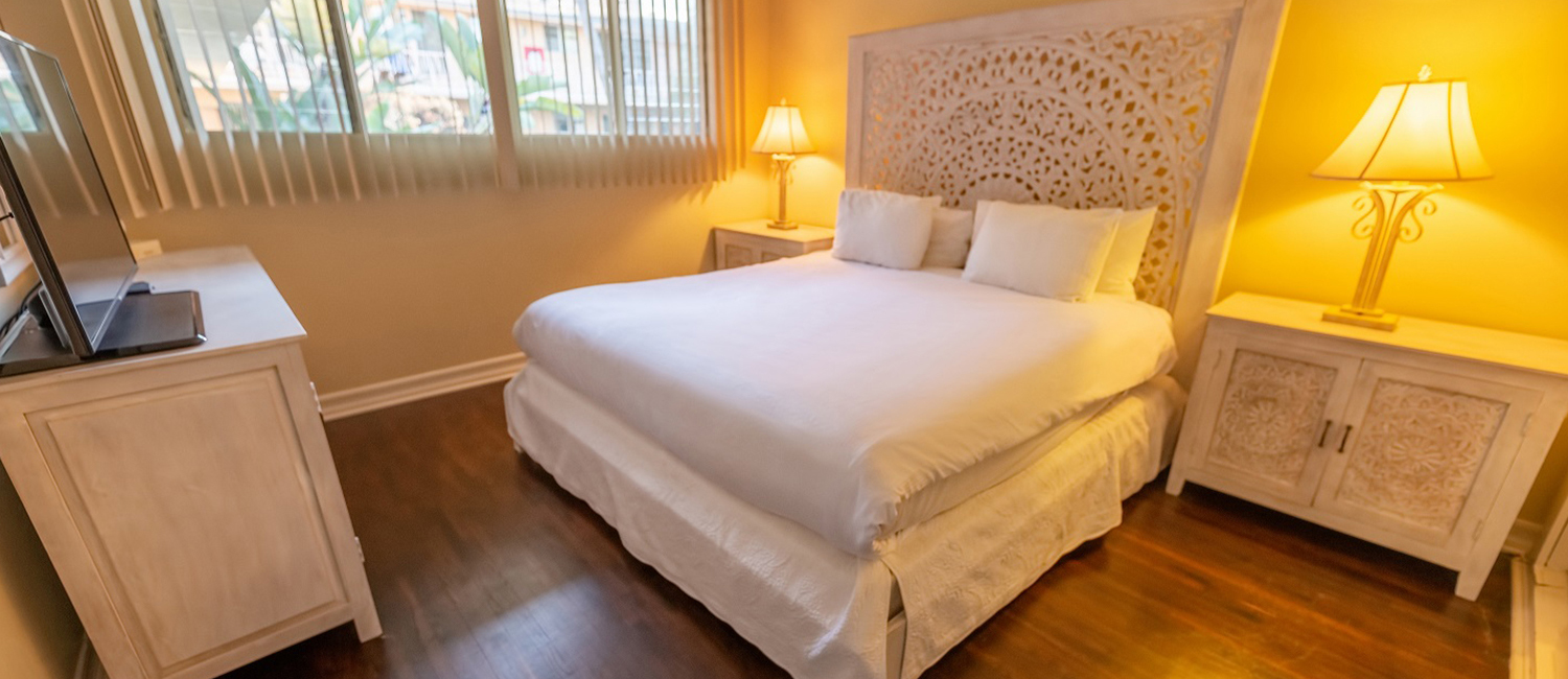 ENJOY THE MOST DESIRABLE ACCOMMODATIONS IN SANTA MONICA