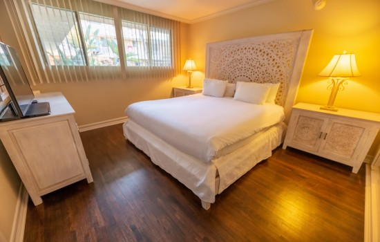 Welcome To Cal Mar Hotel Suites - King Bed